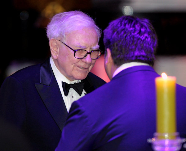 "<div class=""meta ""><span class=""caption-text "">Warren Buffett attends the State Dinner with President Barack Obama and British Prime Minister David Cameron at the White House in Washington, Wednesday, March 14, 2012. (AP Photo/Susan Walsh)</span></div>"