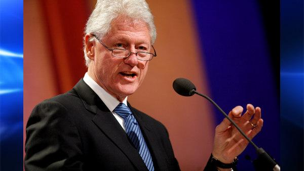 Former President Bill Clinton speaks during the opening plenary of the Clinton Global Initiative annual meeting Wednesday, Sept 24, 2008 in New York. (AP Photo/Jason DeCrow)