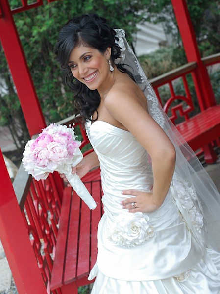 "<div class=""meta ""><span class=""caption-text "">Alicia Vitarelli's wedding in 2007</span></div>"