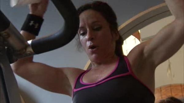 Alicia Vitarelli hits area gyms for hottest workouts