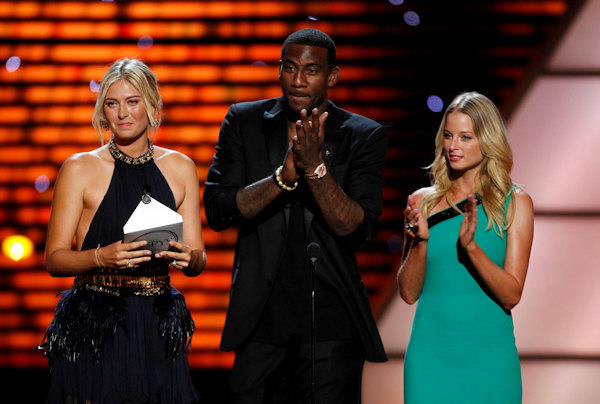 Maria Sharapova, New York Knicks Amare Stoudemire and Rachel Nichols present the award for Best Upset at the ESPY Awards on Wednesday, July 13, 2011, in Los Angeles. (AP Photo/Matt Sayles)