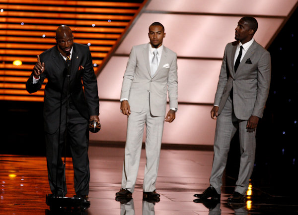 "<div class=""meta ""><span class=""caption-text "">Philadelphia Eagles LeSean McCoy, DeSean Jackson and Jason Avant accept the award for Best Game at the ESPY Awards on Wednesday, July 13, 2011, in Los Angeles. (AP Photo/Matt Sayles)</span></div>"