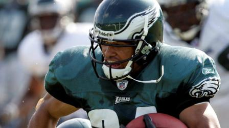 Philadelphia Eagles running back Reno Mahe runs after making a reception during the morning practice at Eagles training camp in Bethlehem, Pa., Wednesday, Aug. 10, 2005. (AP Photo/Coke Whitworth)