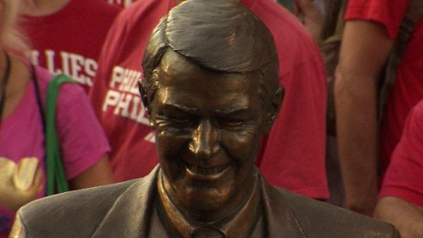 Harry Kalas statue unveiled