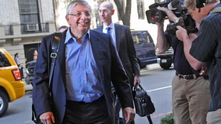 NBA Commissioner David Stern arrives for labor talks, Monday, Oct. 10, 2011, in New York.  (AP Photo/Louis Lanzano)