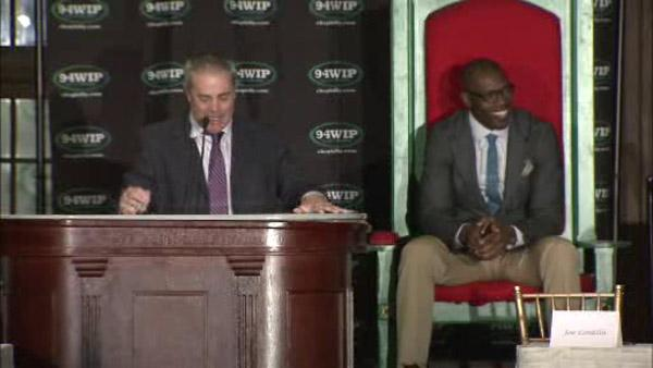 T.O. returns for Philly Sports Roast