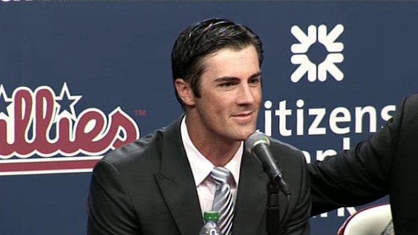 Hamels signs extension with Phillies - 6at4