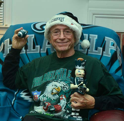 "<div class=""meta ""><span class=""caption-text "">David - Getting ready for the Eagles vs Dallas game (Eagles Fan Photos - 2013 Playoffs)</span></div>"