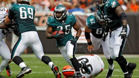 Philadelphia Eagles running back LeSean McCoy (25) runs against the Cleveland Browns in the second quarter of an NFL football game Sunday, Sept. 9, 2012, in Cleveland.