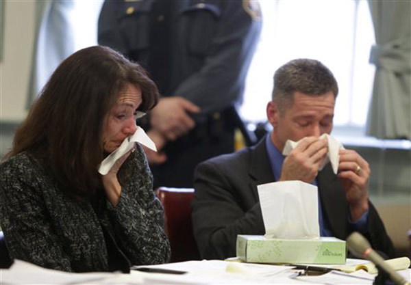 Rachel Canning is sworn in during a hearing at the Morris County Courthouse, Tuesday, March 4, 2014, in Morristown, N.J.  <span class=meta>(&#40;AP Photo&#47;The Star-Ledger, John O&#39;Boyle, Pool&#41;)</span>