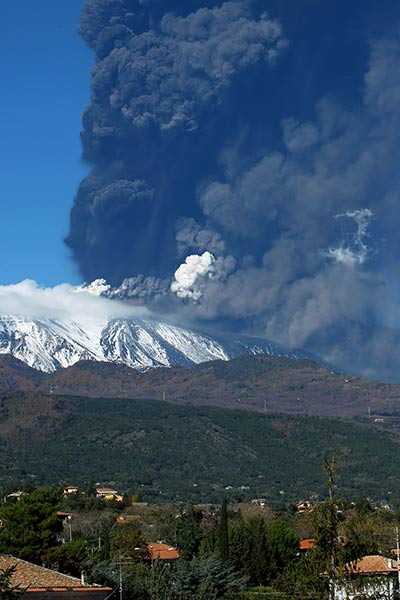 Smoke billows from the Mount Etna, Europe&#39;s tallest active volcano, Sicily, Saturday, Nov. 23, 2013.  <span class=meta>(AP Photo&#47;Carmelo Imbesi)</span>