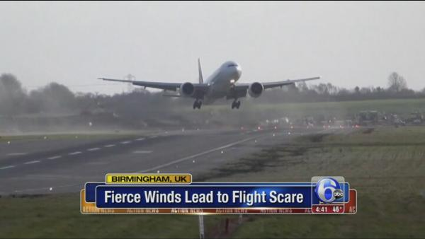 Plane's awkward landing try caught on camera