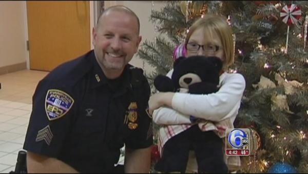 Girl thanks officer for teddy bear reunion