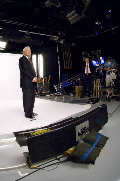 Jim Gardner ready on set <span class=meta>(WPVI Photo)</span>
