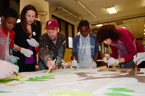 "<div class=""meta ""><span class=""caption-text "">Be Kind to Animals Paint Day - Jen Utley of The Utley Foundation, muralist David Guinn, Mural Arts Executive Director Jane Golden and students from Conwell Middle Magnet School help paint an animal awareness-themed mural. This is the second animal mural sponsored by The Utley Foundation. (Photo: Eunice Yu)</span></div>"