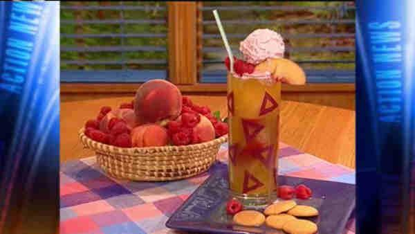 Mr. Food: Peach Melba Cooler