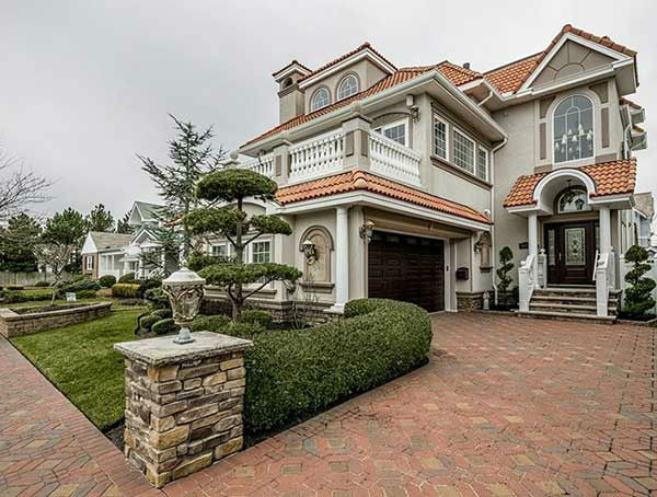 "<div class=""meta ""><span class=""caption-text "">This seashore villa at 904 Seaview Road in Ocean City is on the market for $3.25 million.  It's just off Seaspray Beach with full panoramic ocean views.  See more at OceanCityGroup.com.  Photos used with permission.</span></div>"