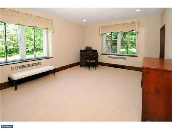 "<div class=""meta image-caption""><div class=""origin-logo origin-image ""><span></span></div><span class=""caption-text"">This home, known as ?Lynnewood? and designated as ?significant? by the Chestnut Hill Historical Society, is on the market for $2.1 million.  This property at 218 Lynnewood Lane, Philadelphia was also featured in the 1988 Jodie Foster movie ?Stealing Home.?</span></div>"
