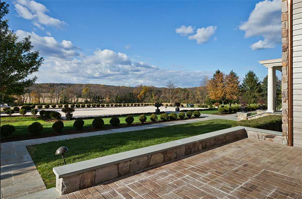 "<div class=""meta image-caption""><div class=""origin-logo origin-image ""><span></span></div><span class=""caption-text"">The Crosscreek Farm estate in Solebury Township, Bucks County is on the market for $6,250,000.   The owners are hoping to entice real estate agents with a special promotion: If an agent can get a signed contract to sell by the end of the year, they get a free three-year lease on a $70,000 Mercedes. </span></div>"