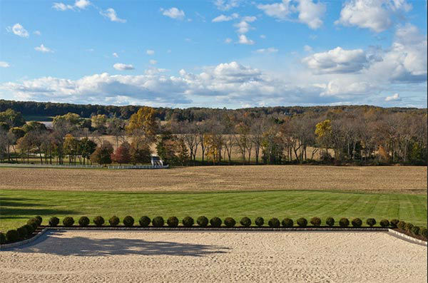 The Crosscreek Farm estate in Solebury Township, Bucks County is on the market for $6,250,000.   The owners are hoping to entice real estate agents with a special promotion: If an agent can get a signed contract to sell by the end of the year, they get a free three-year lease on a $70,000 Mercedes.