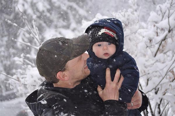 "<div class=""meta ""><span class=""caption-text "">Hunter's first time in the snow.  Submitted by: Dorothy Schaller</span></div>"