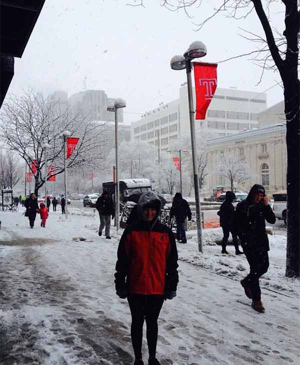 "<div class=""meta ""><span class=""caption-text "">Snow day in the city! Submitted by: Veronica Ann</span></div>"