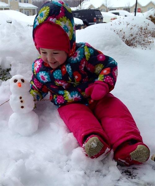 #6abcSnow Abby&#39;s first snowman! <span class=meta>(@coach2000rg)</span>