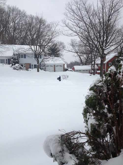 This is what it looks like in Southampton as snow tapers off slowly! #6abcSnow  <span class=meta>(@eleni0804)</span>