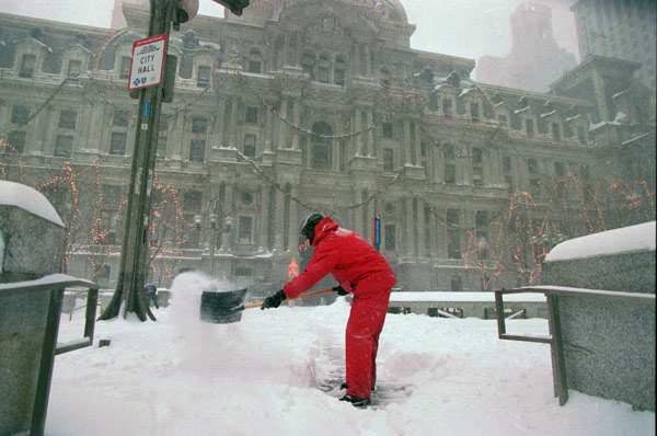 TOP 5 SNOWIEST WINTERS IN PHILADELPHIA     #2: 1995-1996; 65.5 inches    Ron Aikens, a contract worker with the city of Philadelphia, shovels a path for pedestrians at City Hall on Sunday, Jan. 7, 1996.  (AP Photo/Nanine Hartzenbusch)