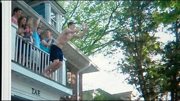 Hansbrough, Frasor jump from frat house