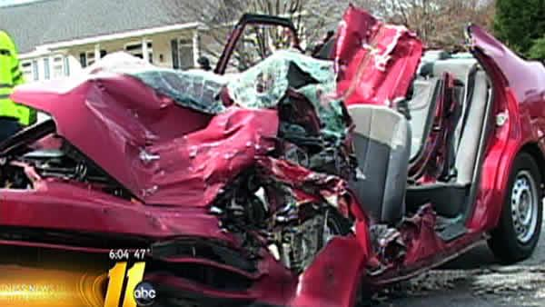 Clayton TEEN DIES AFTER CRASH | abc11.