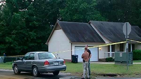 Homeowner shoots intruder in Hoke Co.
