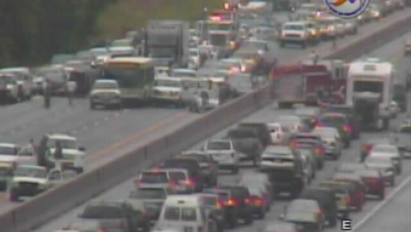 A dozen wrecks halt  I-40 during rush hour