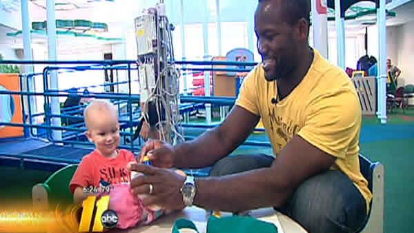 David Garrard visits NC Children's Hospital