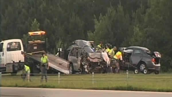 2 killed in I-40 wrong-way collision