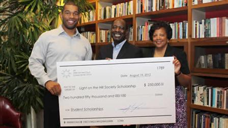 Former UNC football star Peppers donates $250,000 to scholarship fund