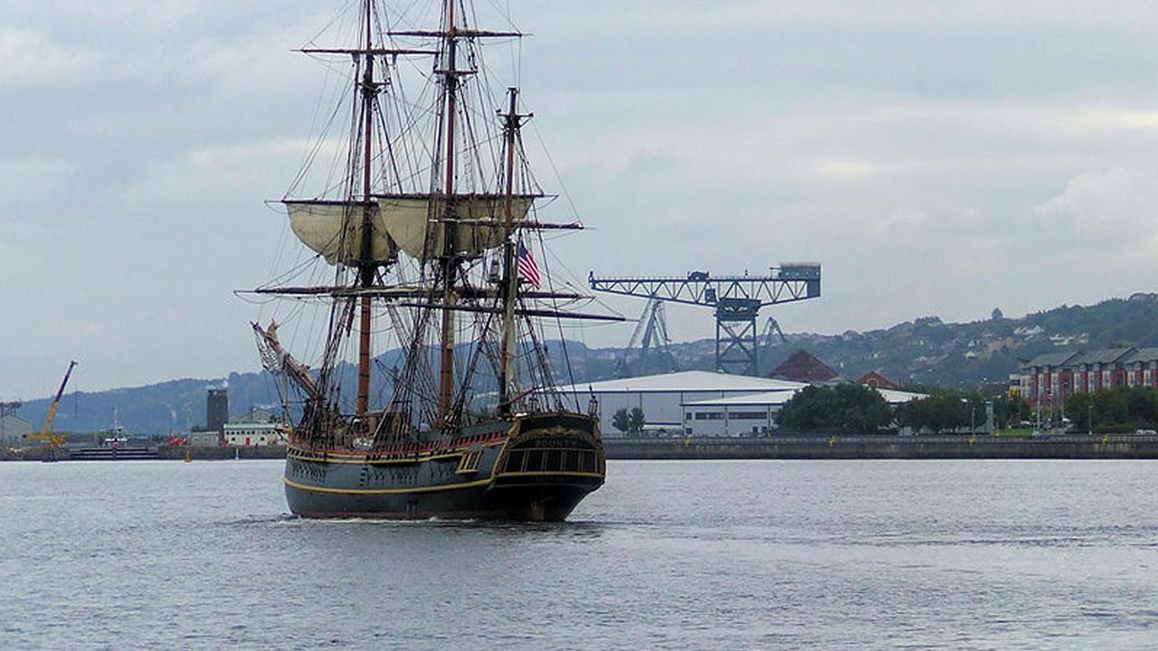 HMS Bounty <span class=meta>(Image source: Wikimedia Commons)</span>