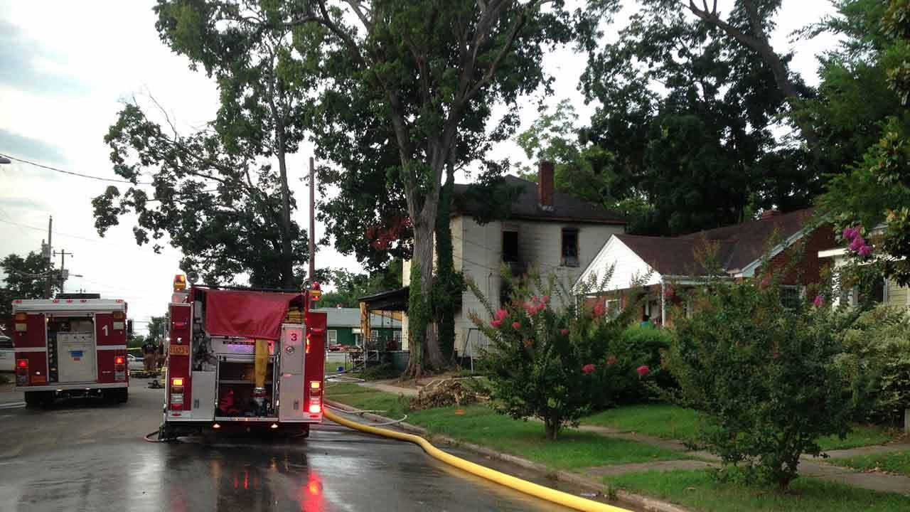 1 hurt in Raleigh house fire