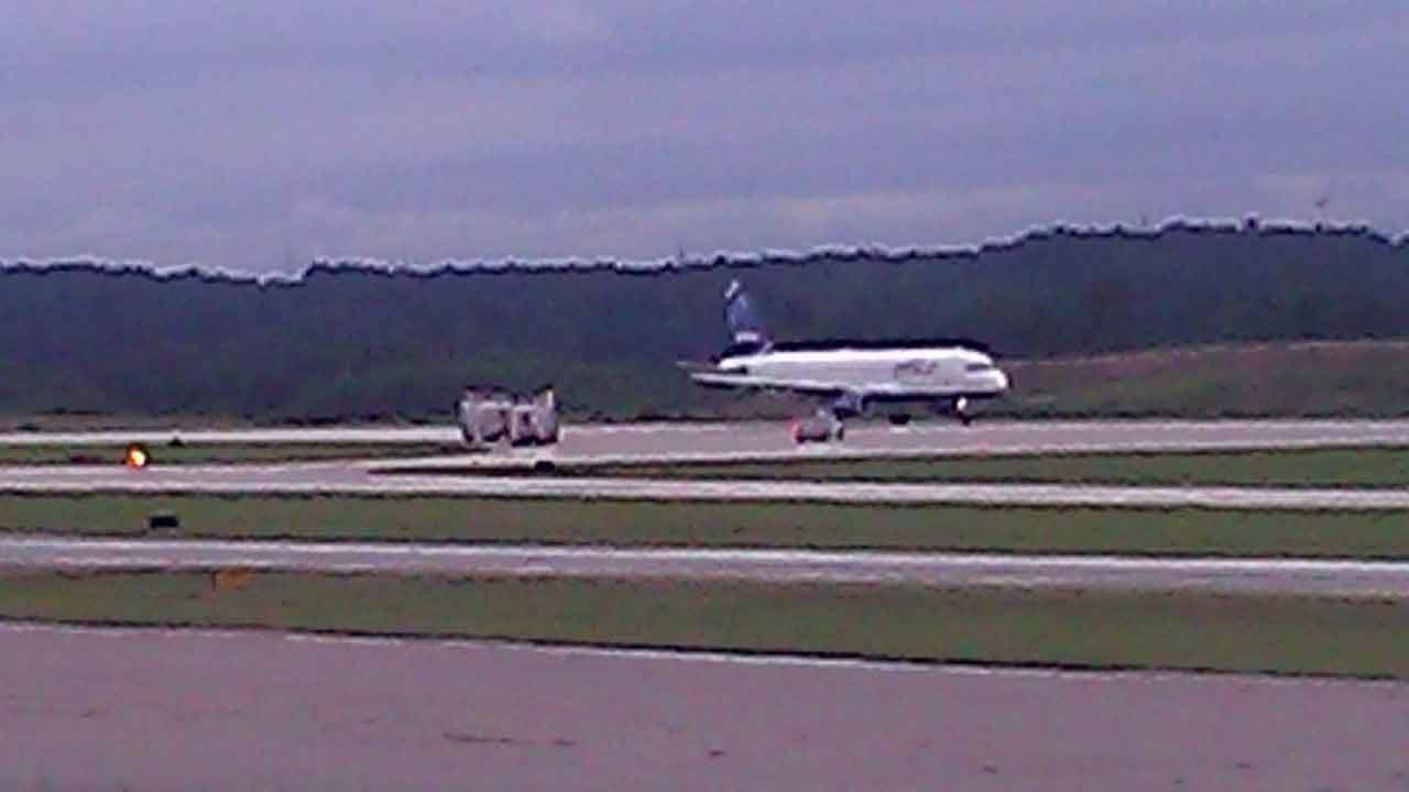 Jet makes emergency landing at RDU