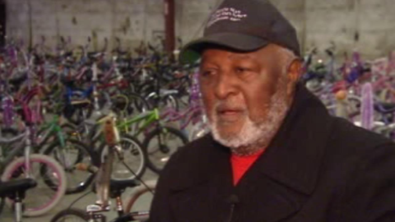 Moses Mathis, Fayettevilles Bicycle Man