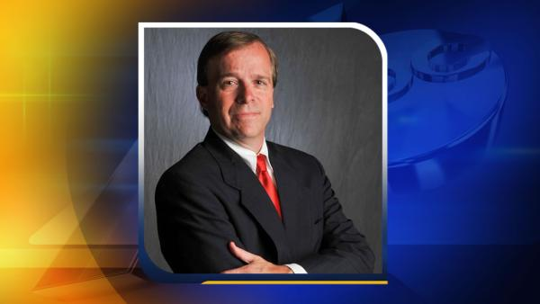 Robertson wins close race for Fayetteville mayor