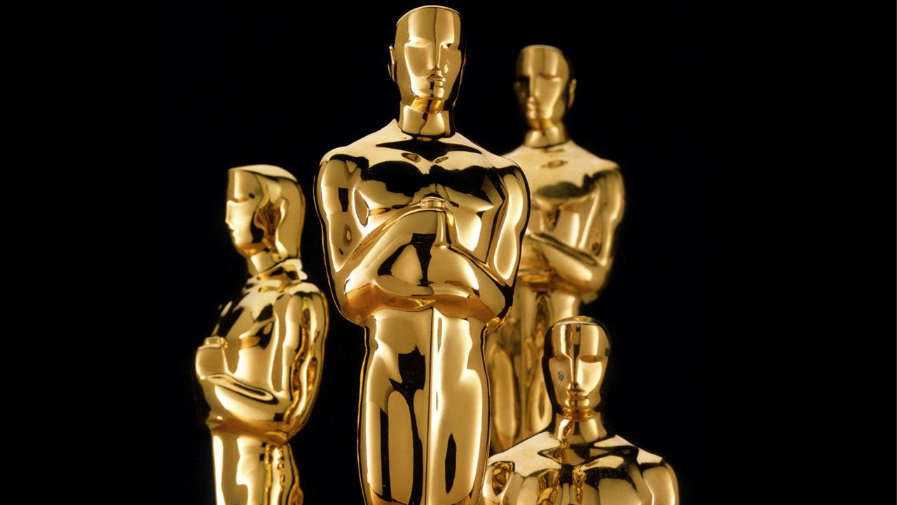 Academy Awards statues.