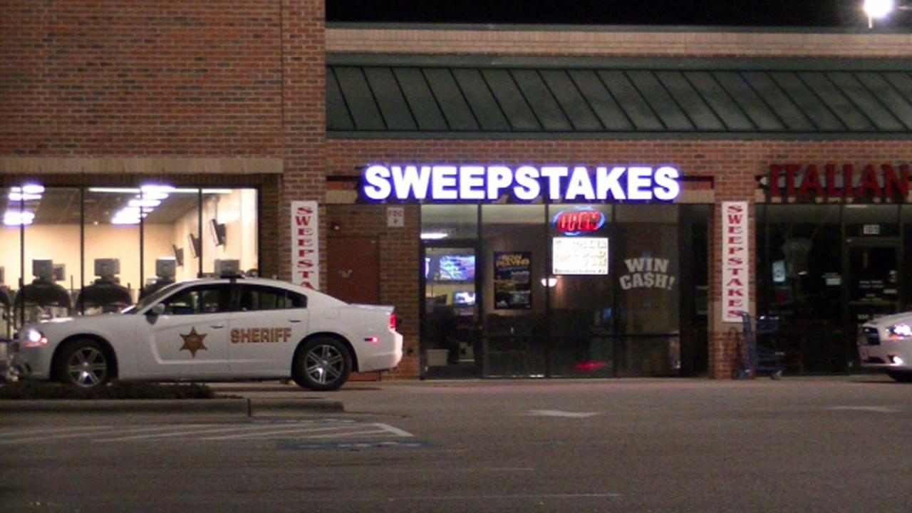 Johnston County deputies investigate a robbery.