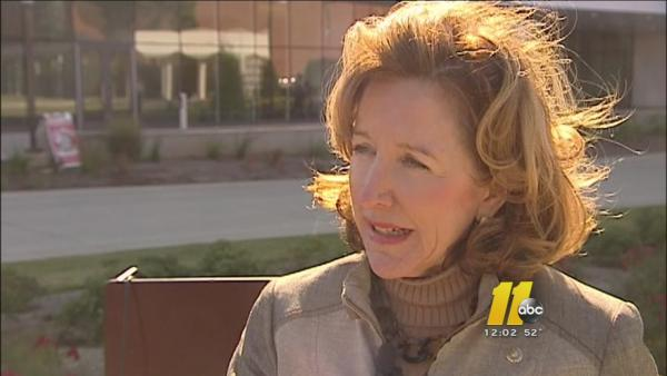 Sen. Kay Hagan supports extending enrollment of Obamacare