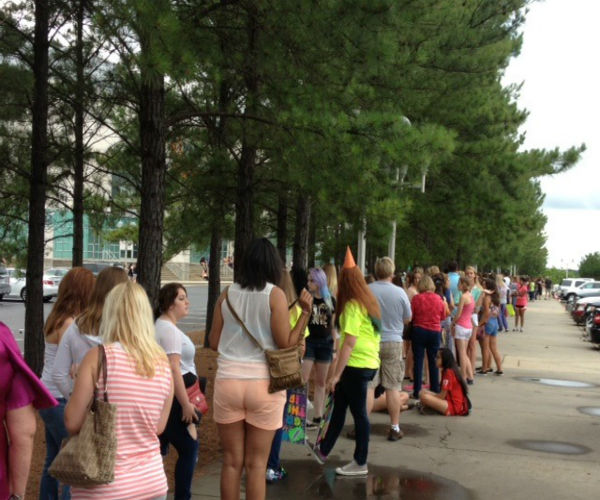 Fans were out in full force for Saturday night&#39;s One Direction Concert at the PNC Arena <span class=meta>(WTVD Photo)</span>