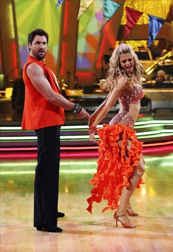 "<div class=""meta ""><span class=""caption-text "">In this publicity image released by ABC, Erin Andrews, right, and her partner Maksim Chmerkovskiy perform on the celebrity dance competition series ""Dancing With the Stars,"" on Monday, May 24, 2010 in Los Angeles. (AP/ABC, Adam Larkey)</span></div>"