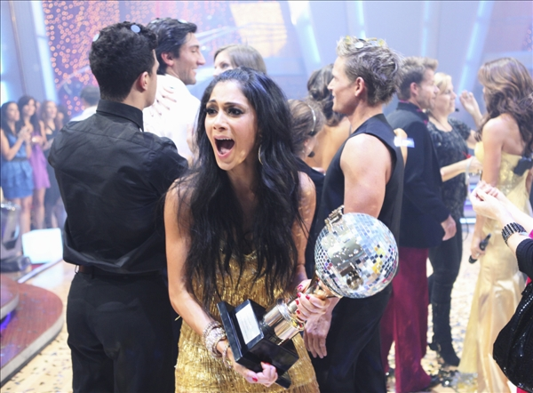 In this image provided by ABC Nicole Scherzinger, foreground reacts after winning &#34;Dancing with the Stars&#34; Tuesday night May 25, 2010. &#34;I feel like I just won a Grammy,&#34; she said after the show. &#34;A dancing Grammy!&#34;  <span class=meta>(AP&#47;ABC - Adam Larkey)</span>