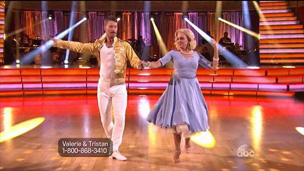"<div class=""meta image-caption""><div class=""origin-logo origin-image ""><span></span></div><span class=""caption-text"">The cast of the 17th season of ""Dancing with the Stars"" is competing for your votes. Monday was Hollywood night. (ABC Photo)</span></div>"