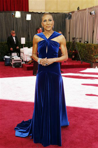 "<div class=""meta ""><span class=""caption-text "">Broadcaster Robin Roberts arrives at the 85th Academy Awards at the Dolby Theatre on Sunday Feb. 24, 2013, in Los Angeles.  (AP Photo/ Todd Williamson)</span></div>"