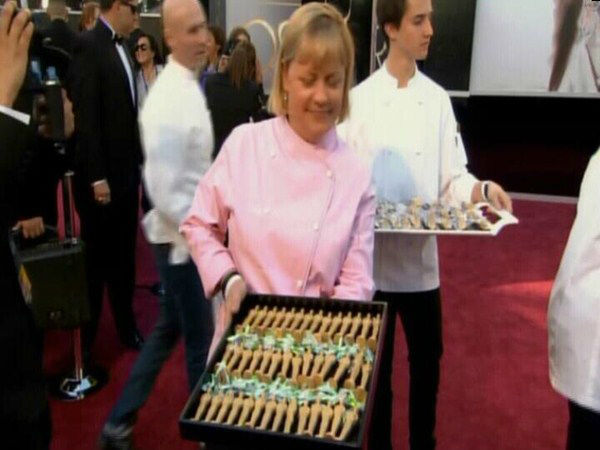 "<div class=""meta image-caption""><div class=""origin-logo origin-image ""><span></span></div><span class=""caption-text"">Oscar food on the red carpet. (ABC News Photo)</span></div>"